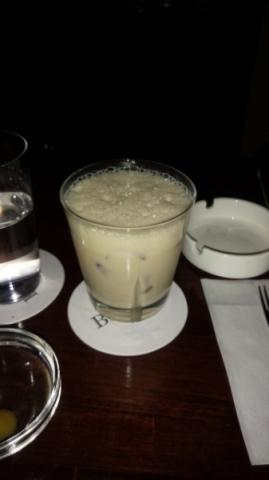 ベイリーズとエスプレッソのミルクカクテル